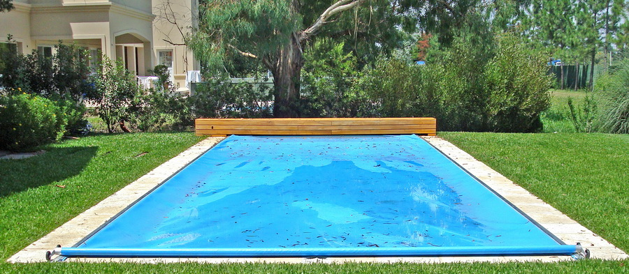 Cubrepiscina cubiertas automaticas de piscinas for Precio cobertor piscina